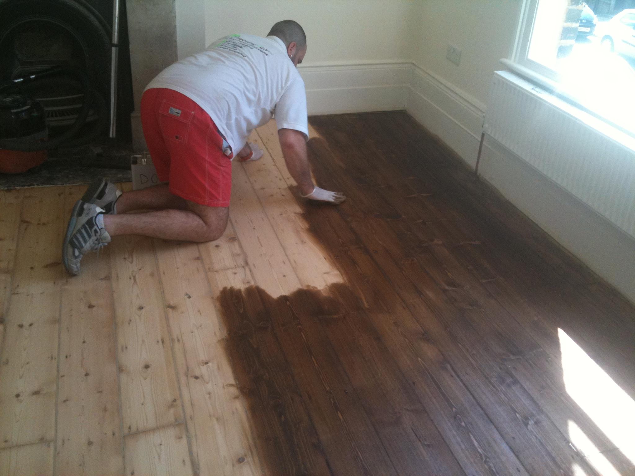 Floor staining and gap filling floor staining tyukafo